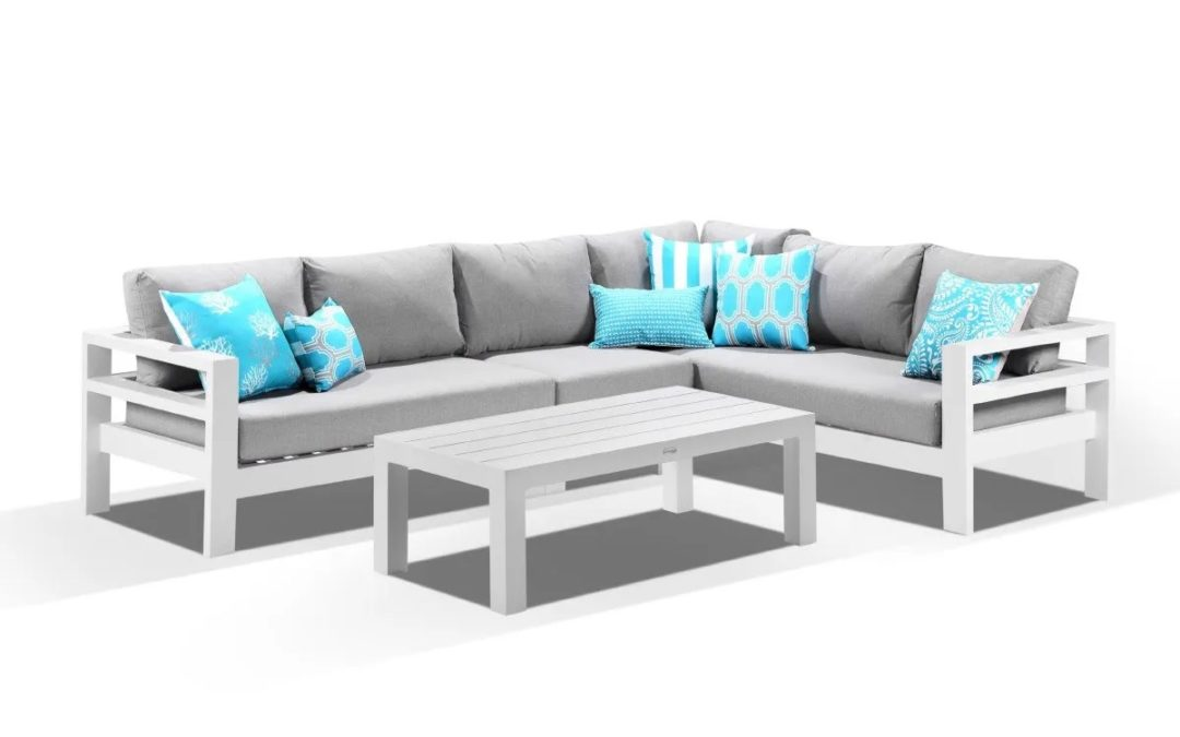 WHAT'S HOT THIS COMING SUMMER IN OUTDOOR FURNITURE